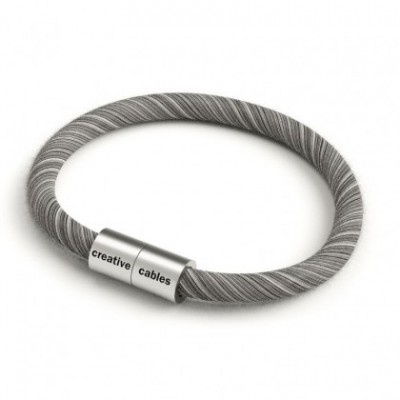 Bracelet with Matt silver magnetic clasp and ERC37 cable